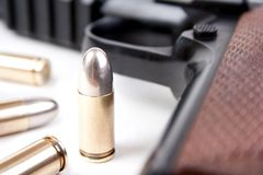 Kogels en kanon Stock Foto's
