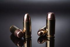 Kogels 9mm en 40 Royalty-vrije Stock Afbeeldingen