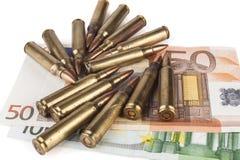 Kogels op Euro Bankbiljetten Royalty-vrije Stock Afbeelding