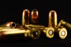 Kogels op Zwarte Achtergrond, selectieve nadrukachtergrond stock foto
