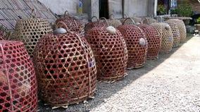 Koguty w klatkach Zdjęcie Stock