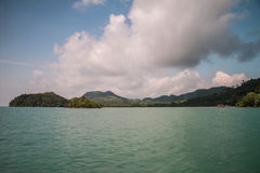 Koh θάλασσα και μπλε ουρανός νησιών noi yao Στοκ Φωτογραφίες