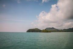 Koh θάλασσα και μπλε ουρανός νησιών noi yao Στοκ φωτογραφία με δικαίωμα ελεύθερης χρήσης