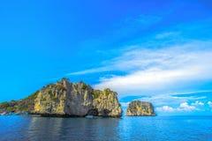 Koh brzęczenia są sposób liczby pięć wyspy dobrym miejscem dla pływać i sn fotografia stock