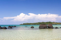 Koh Kham Beach et mer tropicale Thaïlande Images stock