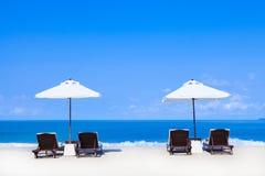 Koh Lanta-strandparaplu Stock Foto