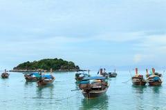 Koh met lange staart LIPE van het bootstrand in Thailand Royalty-vrije Stock Afbeeldingen