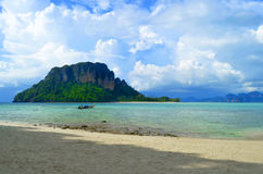 Koh Poda & x28 Poda island& x29  στη Θάλασσα Ανταμάν, κοντά σε Krabi, Ταϊλάνδη Στοκ Φωτογραφία