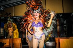 KOH SAMUI, TAILÂNDIA 2013, 2 APRIL Transvestites dentro Imagem de Stock