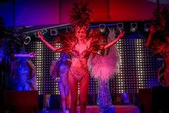 KOH SAMUI, TAILANDIA 2013, 2 APRIL Transvestites dentro Fotografia Stock Libera da Diritti