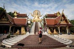 KOH SAMUI, TAILANDIA - 24 DICEMBRE: Grande Buddha a Wat Phra Yai in KOH Fotografia Stock Libera da Diritti