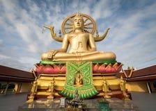 KOH SAMUI, TAILANDIA - 24 DICEMBRE: Grande Buddha a Wat Phra Yai in KOH Fotografia Stock