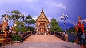 Koh Samui Tajlandia 20 2014 Lipiec Kobiety one modlą się przy zbiory wideo