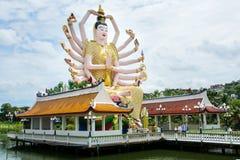 KOH SAMUI TAJLANDIA, PAŹDZIERNIK, - 21, 2016: Wat Plai Laem, buddysta fotografia stock