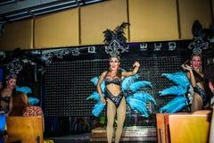 KOH SAMUI, THAÏLANDE 2013, 2 APRIL Transvestites dedans Photographie stock