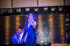 KOH SAMUI, THAILAND 2013, 2 APRIL Transvestites in Royaltyfria Bilder