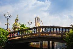 Koh Samui Thailand, Chinees Godsstandbeeld Guanyin in Wat Plaileam t stock foto