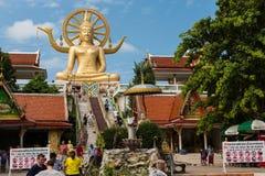 KOH SAMUI, THAILAND - JAN 23 : Big buddha with many of tourist i Royalty Free Stock Photo