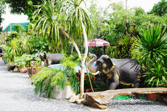 KOH SAMUI, THAILAND - 23. OKTOBER 2013: Eingangsdesign des Elefantbauernhofes Stockfotos
