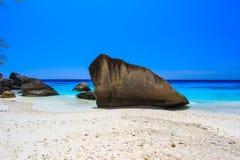 Koh 4, Similan önationalpark, Phang Nga landskap, sydliga Thailand Med den vita stranden härligt vatten Royaltyfria Foton