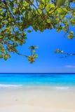 Koh 4, Similan önationalpark, Phang Nga landskap, sydliga Thailand Med den vita stranden härligt vatten Fotografering för Bildbyråer