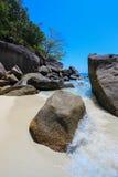 KOH 4, Similan-Insel-Nationalpark, Phangnga-Provinz, Süd-Thailand Mit weißem Strand schönes Wasser Stockfotografie