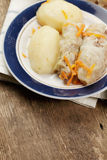 Kohl rollt mit Kartoffeln Lizenzfreies Stockfoto