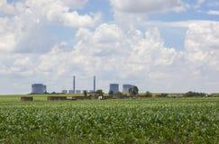 Kohle abgefeuertes Kraftwerk Stockbilder