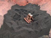Kohle, die Operation durch das Zupacken des Kranes auf Massengutfrachter entlädt lizenzfreies stockbild