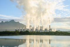 Kohleenergieanlage Stockfotos