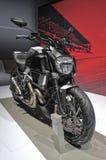 Kohlenstoff Motorrad Ducati Diavel stockfotos