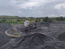 Kohlenzerkleinerungsmaschine am Vorrat, bituminös - Anthrazitkohle, Kohle der hohen Qualität lizenzfreies stockbild