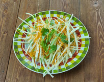 Kohlsalat mit Karotten und Kopfsalaten Stockbild