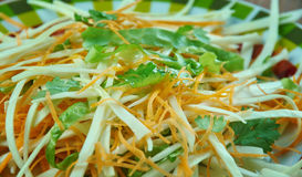 Kohlsalat mit Karotten und Kopfsalaten Lizenzfreie Stockfotos