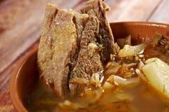 Kohlsuppe mit Fleisch Stockfotos