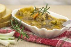 Kohlsuppe mit Rindfleisch Stockfotos