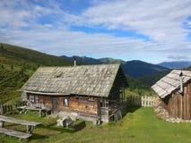 Koja i bergen i lantgård för Bayern Österrike Tyrol Tysklanddagbok Royaltyfria Bilder