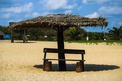 Koja i stranden royaltyfri fotografi