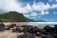 Kok plaża blisko Hana na Hawajskiej wyspie Maui Obrazy Stock
