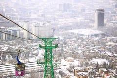 Kok-tobe montering i Almaty, Kasakhstan Royaltyfri Foto