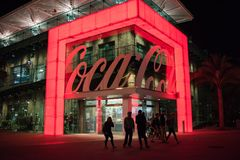 koka-kola sklep przy Disney wiosnami przy Walt Disney światem Zdjęcie Royalty Free