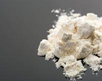 Kokain auf Grau Lizenzfreie Stockfotos