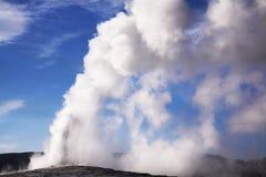 kokande geotermisk geyser Royaltyfri Fotografi