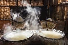 Kokande salt bergigt av Nan Province, Thailand Royaltyfria Bilder
