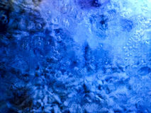 Kokande vatten med färgviktig Arkivbilder