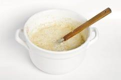 Kokende broodvoorbereiding voor baksel Royalty-vrije Stock Foto's