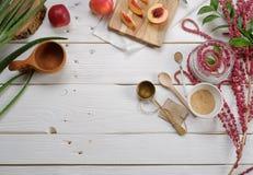Kokende schoonheidsmiddelen, aloë, perzik, amarant Stock Fotografie