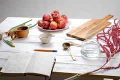 Kokende schoonheidsmiddelen, voedsel, aloë, perzik, amarant Stock Afbeeldingen