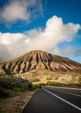 Koko Head augmentant de la route sur Oahu, Hawaï Images libres de droits