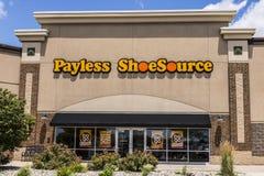 Kokomo -大约2017年6月:Payless ShoeSource零售购物中心地点 Payless ShoeSource卖鞋子在折扣我 图库摄影
